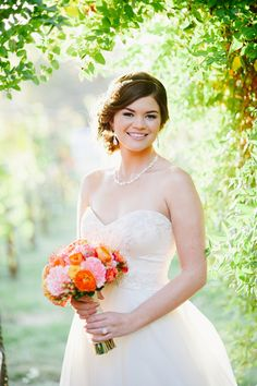 Beautiful Bridal Portrait Session - www.theperfectpalette.com - Jessie Alexis Photography