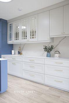 Projekt NAVY - granatowa, elegancka kuchnia w klasycznym stylu Kitchen Room Design, Home Room Design, Kitchen Cabinet Design, Home Decor Kitchen, Interior Design Kitchen, Kitchen Living, Kitchen Ideas, Home Decor Furniture, Kitchen Furniture