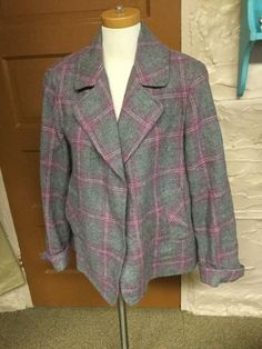 20.33$  Buy now - http://vikwx.justgood.pw/vig/item.php?t=0ws87cg0850 - Women's Talbots Size 18 Gray & Pink Plaid Lined Wool Blazer or Jacket 20.33$