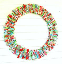 RagHearth rag wreaths (7) - Home decor ideas: http://stunninghomedecor.com/2015/11/18/raghearth-rag-wreaths-7/