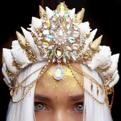 A short but magical post for today and it's all about the Mermaid Crown Trend . My inner past life mermaid canno. Shell Crowns, Seashell Crown, Silicone Mermaid Tails, Mermaid Crown, Magical Jewelry, Crystal Crown, Fantasy Dress, Fantasy Jewelry, Tiaras And Crowns