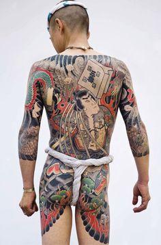 Tatoueurs, Tatoués: The Biggest Tattoo Art Exhibition In The World / http://www.yatzer.com/tatoueurs-tatoues-pascal-bagot / Traditional Japanese tattoo © Photo: Tatttooinjapan.com / Martin Hladik.