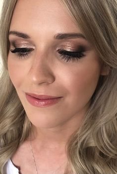 wedding makeup bronze UKs Top 50 Wedding Make-Up Artists 2019 - Smokey eye wedding makeup Bronze Smokey Eye, Natural Smokey Eye, Smokey Eyes, Smokey Eye For Brown Eyes, Wedding Guest Makeup, Wedding Makeup For Brown Eyes, Bridal Makeup Looks, Bridal Hair And Makeup, Wedding Hair