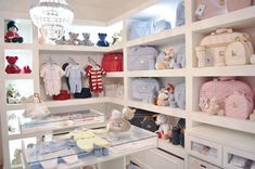 Boutique Interior, Ideas De Boutique, Baby Shop, Baby Store Display, Clothing Store Design, Baby Nursery Organization, Room Store, Baby Boutique Clothing, Baby Shower Gifts For Boys