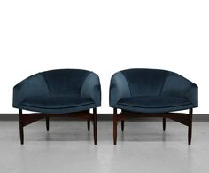 Pair of Mid-Century Lounge Barrel Chairs by Lawrence Peabody 2