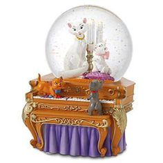 another potential cake from a snowglobe by disney-Aristocrats snowglobe
