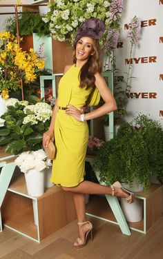 Bec Judd: Love the colour of the dress. Could do without the heel kick. #cupcarnival #racedayfashion