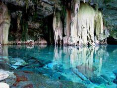 Descubra as 30 cavernas mais inacreditavelmente espetaculares do mundo.