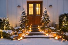 Lovely decor for the front porch around the holidays