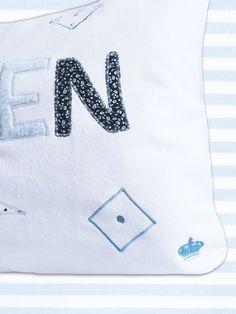 Coussins prénom, Coussin prénom personnalisé- cadeau de naissance est une création orginale de BebeLouParis sur DaWanda