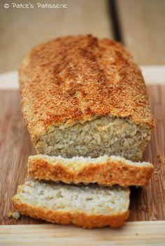 Kokosmilchbrot?  Brot mit Kokosmilch?  Kein Kuchen?  Jep!  Das hier ist ein richtiges (Frühstücks-) Brot, keine Kuchen!  Als o b...