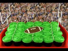 Football field pull-apart cupcake cake - Perfect for Superbowl!   This tutorial and more available for FREE on our YouTube channel MyCupcakeAddiction