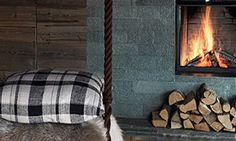 Un refugio de montaña   colección Träus, de Ikea • A mountain retreat...cosy Decor, Retreat, Refugio, Cosy, Ikea, Home Decor, Fireplace