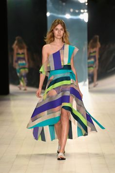 2b23a1c7431 50 Best Fave Looks from Mercedes Benz Fashion Week Australia images ...