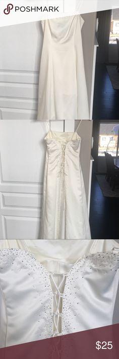 Niki by Niki Livas Cream Dress Beautiful back beading and criss cross detail. Worn once. Zum Zum by Niki Livas Dresses Prom