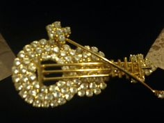 Gold Tone and Rhinestone Violin Brooch JULIANA by GENEVEVES