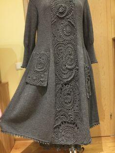 Платье с вставкой.Безотрывое  вязание.Шерсть.Спицы,крючок
