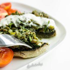 pieczarkie-faszerowane-soczewica-chlorella-szybki-zdrowy-przepis-13 Cheesesteak, Avocado Toast, Risotto, Recipies, Lunch Box, Food And Drink, Appetizers, Gluten Free, Vegan