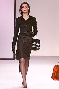Fall 2000 Ready-to-Wear Valentino