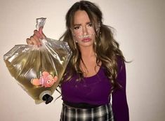 BEST College Halloween Costumes for Girls - Hairs Out of Place - - DIY college halloween costumes for girls that include sexy costumes, fun halloween costume ideas, your favorite characters, and more! Best Diy Halloween Costumes, Halloween Outfits, Women Halloween, Halloween Ideas, Best Costume, Halloween Makeup, Bratz Halloween Costume, Cool Couple Halloween Costumes, Original Halloween Costumes
