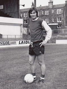 Jackie McNamara of Hibernian in Hibernian Fc, Vintage Football, Big Men, Sporty, Running, 1970s, Legends, Times, Classic