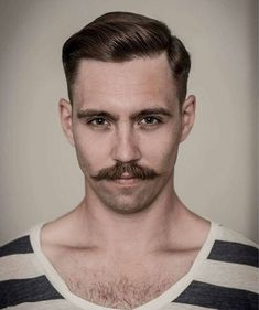 20 Exquisite Dapper Haircuts – An Easy Gentleman's Style Him how to cut facial hair styles - Hair Cutting Style Dapper Haircut, Gentleman Haircut, Gentleman Style, Hairstyles Haircuts, Haircuts For Men, 1940s Hairstyles, Modern Haircuts, Hair And Beard Styles, Curly Hair Styles