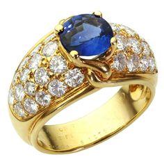 VAN CLEEF & ARPELS Blue Sapphire Diamond Yellow Gold Ring | 1stdibs.com