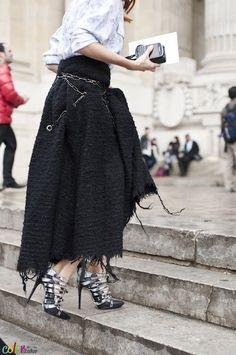 Skirt looks so comfy.