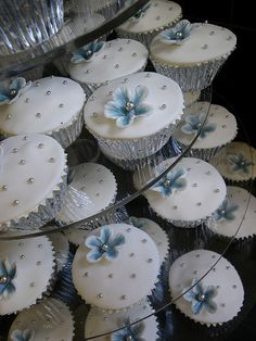 Blue, Silver & White wedding cake