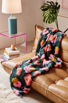 Penny Floral Faux Fur Throw Blanket | Urban Outfitters