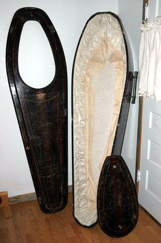 Toe Pincher Coffin with Viewing Window. by stowawayantiques, $1237.00