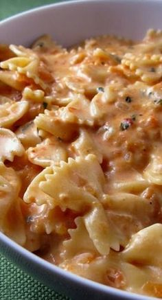 Creamy Tomato Pasta Recipe ~ the perfect combination: tomatoes and cream and cheese