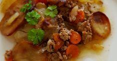 Pitkään haudutettu jauheliha-perunalaatikko on maukasta ja edullista arkiruokaa, joka maistuu koko perheelle. Tämä laatikko on tehty lihaliemeen, m... Curry, Beef, Food, Meat, Curries, Essen, Meals, Yemek, Eten