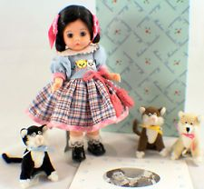 "Madame Alexander 8"" THREE LITTLE KITTENS #26970 in Original Box w/ Stand 3 CATS"