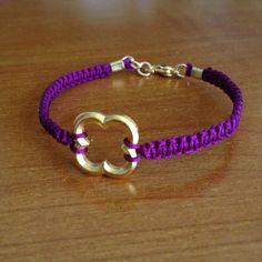 DIY Knotted Quatrefoil Charmed Bracelet  a Simple Knotted Charmed Bracelet/ Chinese Knotted Cord.  with the  complete tutorial.