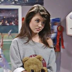 New party member! Tags: seriously saved by the bell eyebrow raise kelly kapowski sbtb tiffany amber thiessen Michelle Tanner, Cher Horowitz, Mtv, Tiffany Amber, Zack Morris, Tiffani Thiessen, 90s Girl, Cut Sweatshirts, Saved By The Bell