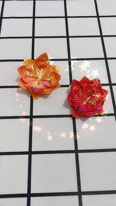 Playing With Papers: The types of paper crafting handmade origami flowers – -DIY handmade origami flowers Origami Simple, Instruções Origami, Origami Tattoo, Origami Ball, Origami Rose, Origami Videos, Origami Hearts, Dollar Origami, Origami Bookmark