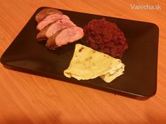 Kačacie prsia s červenou kapustou a domácimi lokšami - Recept Cornbread, Beef, Ethnic Recipes, Food, Meat, Hoods, Meals, Ox, Ground Beef