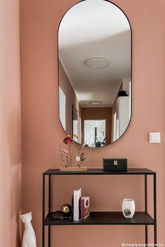 Każdy kolor ma swoje znaczenie i przekazuje określone doznania. Dlatego, tak ważne jest poznanie ich właściwości. Ale najpierw, przedstawimy Ci, podstawowe zasady łączenia kolorówe we wnętrzach. Podstawowymi trzema barwami w teorii kolorów są: żółty, niebieski oraz czerwony. Poznaj więcej tricków! / #Wallcolor Kolor ścian jak wybrać kolor ścian malowanie ścian Home Living, Sustainable Living, Oversized Mirror, Influenza, Interior Design, Furniture, Home Decor, Nest Design, Decoration Home