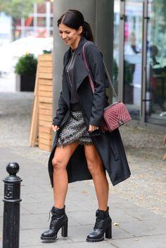 Anna Lewandowska z gołymi nogami i torebką Chanel za 23 tysiące (ZDJĘCIA) - PUDELEK