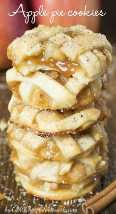 Apple Pie Cookies & sticky and chewy, bite sized caramel apple pies. Apple Pie Cookies & sticky and chewy, bite sized caramel apple pies. The post Apple Pie Cookies & sticky and chewy, bite sized caramel apple pies. appeared first on Pink Unicorn. Apple Pie Recipes, Easy Cookie Recipes, Sweet Recipes, Easy Recipes, Healthy Recipes, Healthy Food, Cheesecake Recipes, Cheesecake Cookies, Easy Apple Pie Recipe