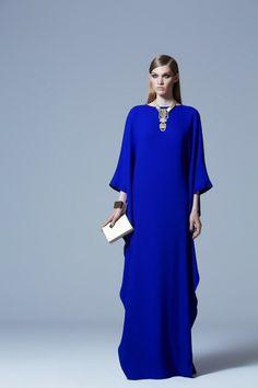 Loving every single piece from the Elie Saab Ready To Wear Prefall kaftan dress Abaya Designs, Modest Fashion, Hijab Fashion, Fashion Dresses, Style Fashion, Elie Saab, Elegant Dresses, Beautiful Dresses, Hijab Stile
