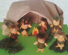 World History PreHistory Stone Age Houses, School Projects, Projects To Try, Stone Age Art, Cro Magnon, Crafts For Kids, Arts And Crafts, Ice Age, Imaginative Play