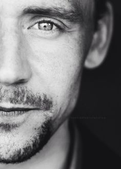 Tom Hiddleston such a great Actor. And a total babe.