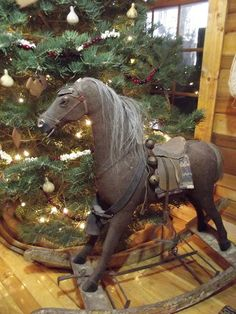 Home of the Mountain Dweller:  A Simple Christmas - I would love to have one of these.