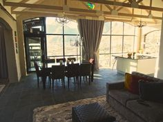 Tamboerskloof Bed Penthouse Stunning views of the city and Table Mountain Gumtree South Africa, Table Mountain, Flat Rent, Stunning View, Cape Town, City, Bed, House, Home Decor