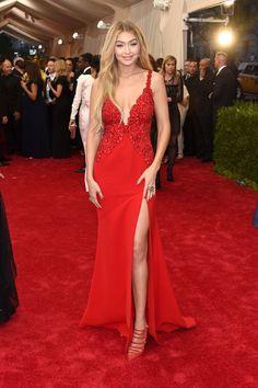 Gigi Hadid | Toutes les tenues des stars au Met Gala de 2015