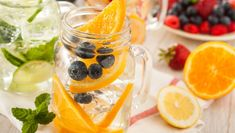 Healthy Spa Water with Fruit (by brent. Dinner Recipes For Kids, Healthy Dinner Recipes, Diet Recipes, Healthy Foods To Eat, Healthy Drinks, Healthy Snacks, Fruit Water, Diet Water, Go For It