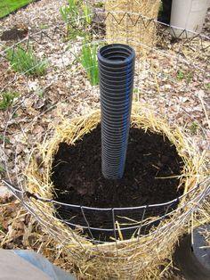 Figyelj, mutatom hogyan lesz neked növény tornyod akár az erkélyen is! Garden Hose, Garden Plants, Vertical Gardens, Outdoor, Gardening, Balconies, Potato, Tower, Google