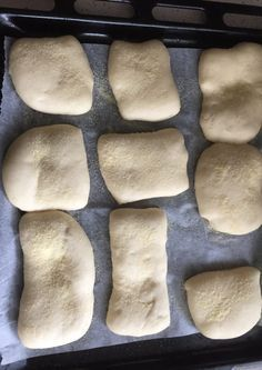 Recipe for soft sandwiches like slippers - ready and baked , Recipe for soft sandwiches like slippers - ready and baked Ciabatta, Pizza E Pasta, Focaccia Pizza, Confort Food, Easy Holiday Recipes, Food Humor, Dinner Rolls, Vegan Dishes, Italian Recipes